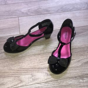 Other - Girls size 2 black dress shoes